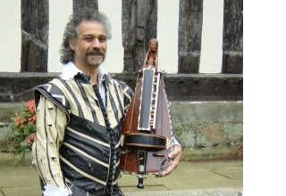 Dante Ferrara - Lute player and more...
