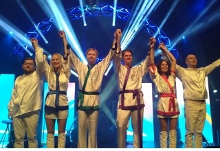 ABBORN - a tribute show to ABBA